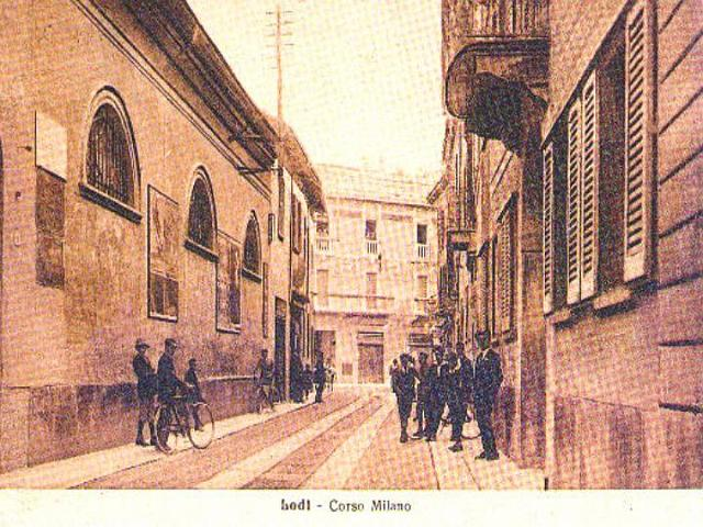 Lodi com 39 era corso milano for Corso stilista milano